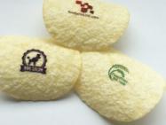 市販の成型ポテトチップスに可食インクジェットインクでデザインをプリント