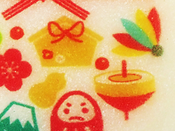 お餅にお正月柄を可食インク印刷、アップ画像